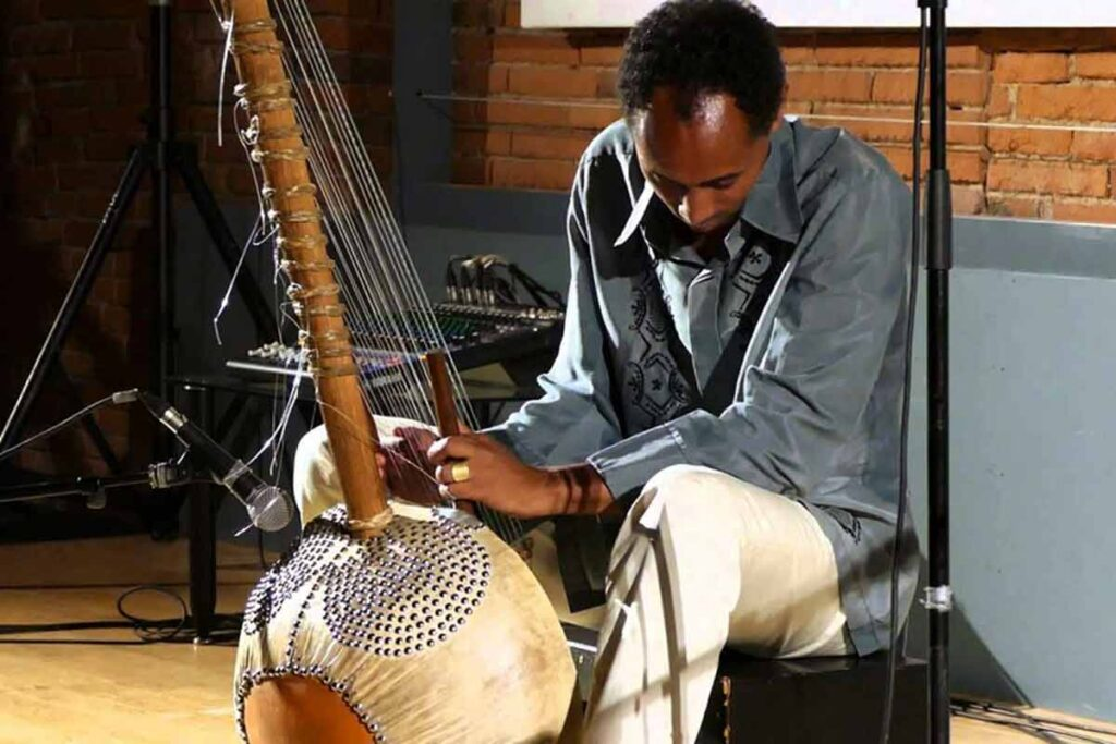 Tunde jegede on Kora, The African Lute