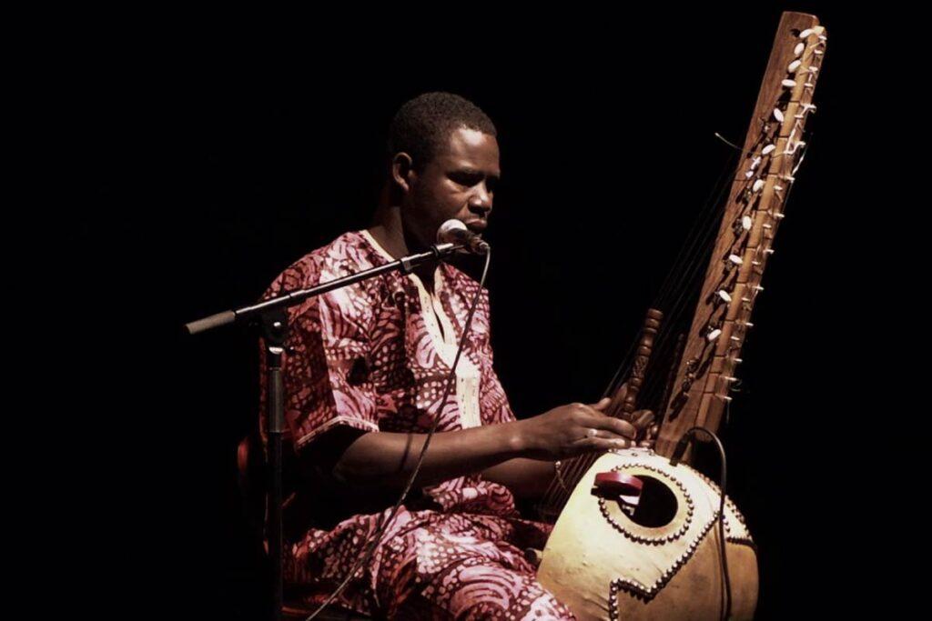Kora_Musical_Instrument_Player